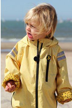 8c1e398fa8 In Regenkleidung von Ducksday können Kinder selbst bei schlimmsten  Schnuddelwetter stundenlang draußen spielen und werden dabei