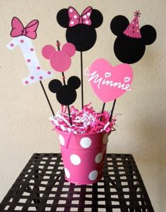 Minnie Mouse Birthday Decoration CenterpiecesThe post Minnie Mouse Birthday Decoration Centerpieces & Baby Shower appeared first on Dekoration. Decoration Minnie, Minnie Mouse Birthday Decorations, Minnie Mouse 1st Birthday, Minnie Mouse Theme, Minnie Mouse Baby Shower, Girl Birthday, Minnie Mouse Cup Cakes, Mickey Baby Showers, Mickey Cakes