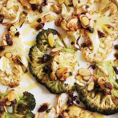 Broccoli and cauliflower steaks with fried capers Healthy Pasta Bake, Broccoli Pasta Bake, Healthy Pastas, Healthy Baking, Healthy Recipes, Healthy Christmas Recipes, Cauliflower Steaks, Gluten Free Pasta