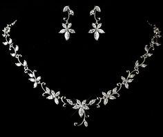 Wedding necklace and earrings Bridal jewelry door TheExquisiteBride