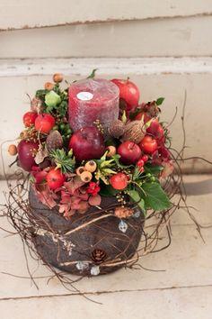 Christmas-inspired flower arrangement