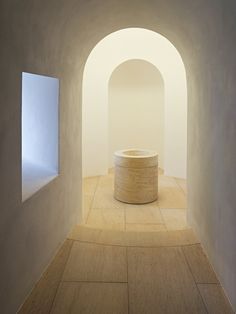 Interior of the renovated Moritzkirche in Augsburg. Design by john Pawson, photo by Jens Weber.