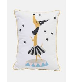 Rose in april- Coussin, http://www.babayaga-magazine.com/rose-in-april/