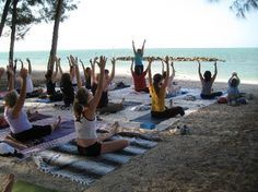 it would be perfect to have my yoga class on the beach not far from my home<3  Key west yoga