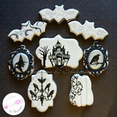 Victorian-inspired Halloween Cookies - Cookies by Shannon via Cookie Connection Thanksgiving Cookies, Fall Cookies, Iced Cookies, Cute Cookies, Holiday Cookies, Halloween Goodies, Halloween Desserts, Halloween Food For Party, Halloween Halloween