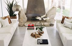 Ty's friend and fellow designer Michael Moloney takes us on a tour of his Palm Springs home.