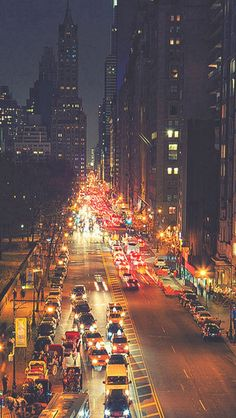 Busy New York Street Night Traffic #iPhone #5s #wallpaper