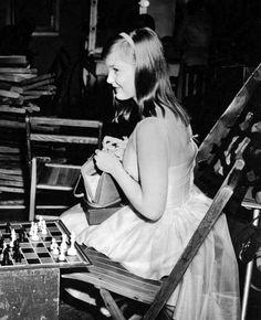 Carol Lynley ChessBaron.co.uk ships internationally