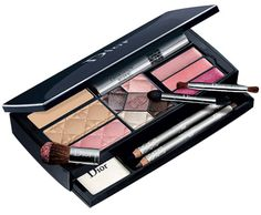 Dior Color Designer Make-up palette Make Up Palette, Pale Makeup, Beauty Makeup, Beauty Essentials, Beauty Hacks, Beauty Stuff, Travel Essentials, Christian Dior Makeup, Skin Care