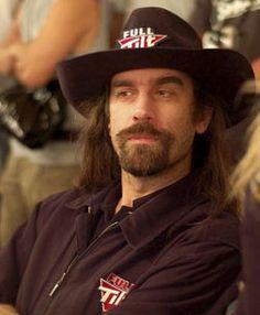 É um dos rostos mais facilmente idenfiticado do Poker Mundial. A imagem de marca de Chris Ferguson são os longos cabelos e a barba, atributos físicos que lhe valem a alcunha de Jesus. A juntar a isso quase sempre anda de chapéu à cowboy e óculos de sol.