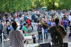 "Eat, drink, and listen to live tunes with the locals at Healdsburg's ""Tuesdays in the Plaza."" http://www.ci.healdsburg.ca.us"
