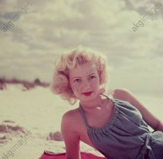 Young woman on the beach. Retro Color, Strand, Young Women, Game Of Thrones Characters, Female, Beach, Akg, Woman Portrait, Fictional Characters