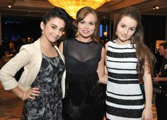 Amanda Fuller (center) with her Last Man Standing co-stars at the Midnight Mission Golden Heart Awards Cute Dress Outfits, Cute Dresses, Formal Dresses, Molly Ephraim Hot, Amanda Fuller, Kaitlyn Dever, Last Man Standing, Height And Weight, Celebs