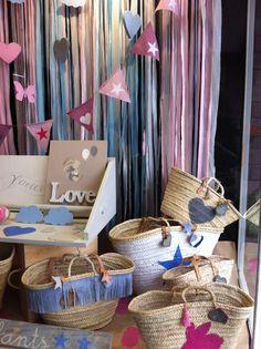 Capazos y cestas decoradas con piel.