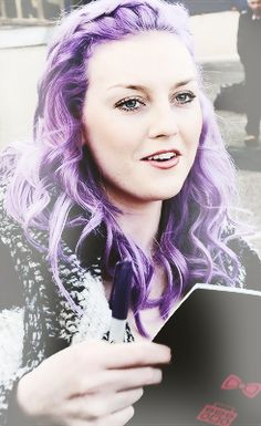 Perrie Edwards :) not gonna lie I miss her purple hair, it's SOOO gorgeous...I love the pink though!