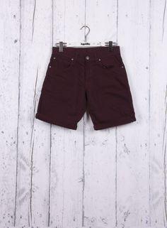 Kaotiko BCN – Moda hombre - Pantalón BERMUDA REGULAR GRANANTE 5cf745a9d009