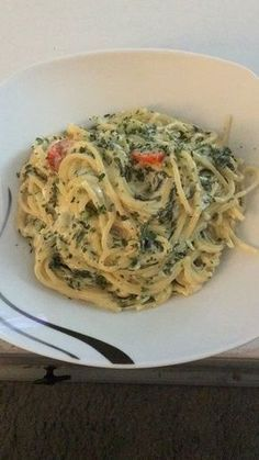 Nudeln mit Spinat, Schafskäse und Tomate, ein beliebtes Rezept aus der Kategorie Nudeln. Bewertungen: 297. Durchschnitt: Ø 4,4.