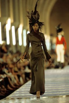 Christian Dior Fall 1999 Couture Fashion Show Collection