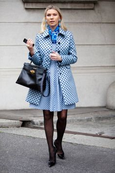 This is so on-point that it even dots the 'i' on chic! In all seriousness, the dotted stockings, dusk blue trench coat, & vibrant blue ascot make this look so fab.