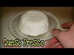 Queso fresco usando vinagre - YouTube Bread Recipes, Vegan Recipes, Cooking Recipes, Homemade Cheese, Chimichurri, Mexican Food Recipes, Icing, Alcoholic Drinks, Appetizers