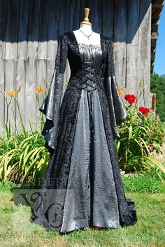 pagen wedding gowns | Medieval Pagan Dress Wedding gown Handfasting by vendettacouture, € ...