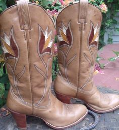 cowboy boots Dan Post brown with light brown by OutOfMyMamasAttic, $79.00