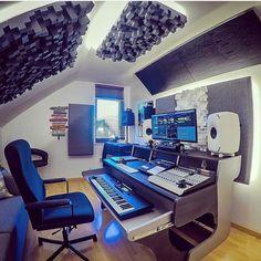 Music Software, Gaming Room Setup, Home Studio Music, Studio Design, Game Room, Desk, House Styles, Anime, Home Decor