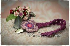 Dummy Chain - Fleur De-Lilas-Pourpre Crochet Dreamcatcher, Crochet Accessories, Little Miss, Beanie Hats, Crochet Baby, Dream Catcher, Boy Or Girl, Texture, Chain