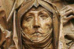 """Im Bode-Museum in Berlin ist jetzt die Skulptur der """"Heiligen Anna mit ihren drei Ehemännern"""" zu sehen. Tilman Riemenschneider schnitzte sie vermutlich um 1505 aus Lindenholz."""
