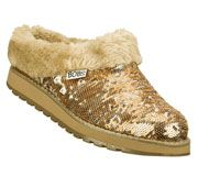I would rock these for Christmas  #SKECHERSGiveThanksPinToWin