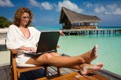 laptop-beach-bungalow-300x199.jpg (300×199)