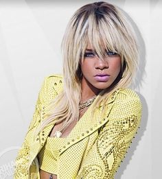 MUSIC- Rihanna has had so many different hair cuts, colors, and looks. the ombre hair look seen here. Rihanna Daily, Rihanna Love, Rihanna Style, Rihanna Fenty, Rihanna Hairstyles, Cool Hairstyles, Rihanna Blonde Hair, Curly Hair Styles, Natural Hair Styles