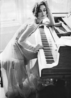 piano   music    kirra   notes   tunes   beauty   black & white photography   light and shade