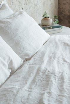 All White Linen Bed / Dreamy