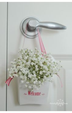 unique ways to say thank you or to welcome your guests--  hang on the doorknob of your guest room