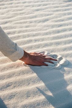 that white sand! I'd be running my fingers through it too