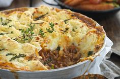Minted lamb potato-top bake recipe - By New Zealand Woman's Weekly, Add your own twist to shepherd's pie -- try kumara mash and minted peas. Kraft Recipes, Pie Recipes, Baking Recipes, Recipies, Lamb Mince Recipes, Lemon Sour Cream Cake, Chicken Schnitzel, Baked Macaroni, Food Recipes