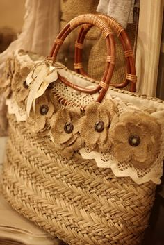 burlap flowers---sandy this would be funny/cute to take on your honeymoon! Burlap flower handbag hehe