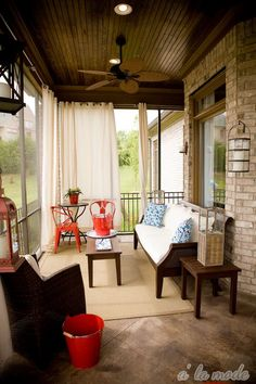 I love the curtains on this screened in porch. Maybe for my living room Screened Porch Curtains, Screened In Patio, Outdoor Curtains, Hang Curtains, Grommet Curtains, Curtain Panels, Canvas Curtains, Cozy Patio, Deck Patio