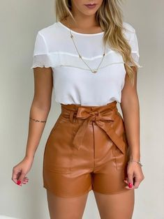 Minus the shorts Short Outfits, Stylish Outfits, Short Dresses, Summer Outfits, Look Fashion, Fashion Outfits, Womens Fashion, Mode Rockabilly, Look Con Short