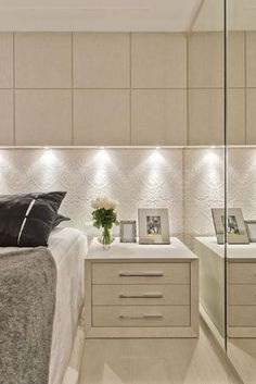 Suíte pequena com decor contemporâneo e cores claras texturizadas! - Decor Salteado - Blog de Decoração e Arquitetura