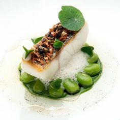 """Sea bass, broad beans, bacon, vanilla & lemon"" by chef Sven . Chefs, Michelin Star Food, Food Fantasy, Molecular Gastronomy, Food Presentation, Food Design, Food Plating, Organic Recipes, Food Pictures"