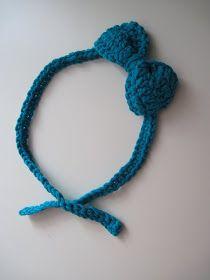 Cornflower Blue: free crochet pattern :: bow headband