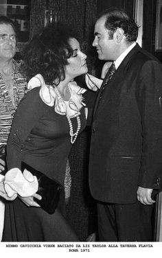 Elizabeth Taylor at Taverna Flavia in 1971