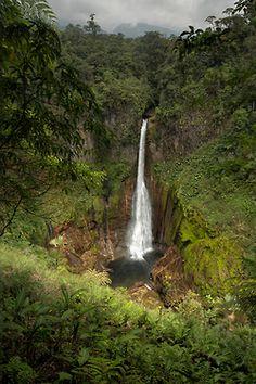 Costa Rica rainforest #travel #waterfall