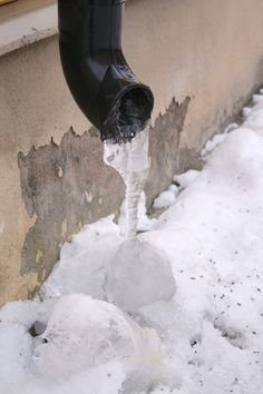 Pin now, read now, before your pipes freeze! 30 Days of Preparing for Severe Winter Weather Day 12: How Do I Prevent My Pipes From Freezing? - http://www.survivalacademy.co/