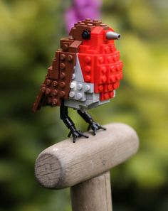 Bird Enthusiast Creates LEGO Birds And 10,000 Supporters Get LEGO To Mass-Produce Them | Bored Panda