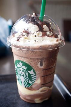 Chocolate cookie crumble Frappucino with white chocolate pudding (Tokyo, Japan)