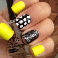 Yellow and black glittering neon nails art