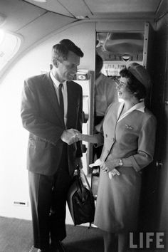 Bobby Kennedy boarding a plane Date taken: 1964 Photographer: George Silk Ethel Kennedy, Robert Kennedy, John Junior, Greatest Presidents, Life Photo, Life Magazine, Jfk, Photojournalism, Bobby